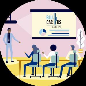 BluCactus - qué es una presentación - persona profesional dando una conferencia
