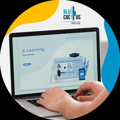 BluCactus - qué es una landing page - computadora con información importante