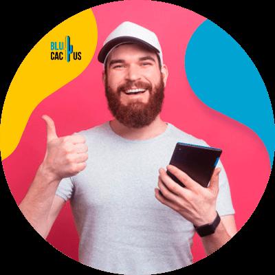 BluCactus - Cuánto cuesta una campaña de Google Adwords - persona sonriendo