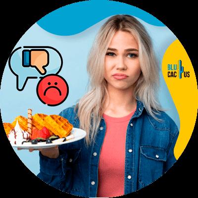 BluCactus - persona comiendo en restaurante