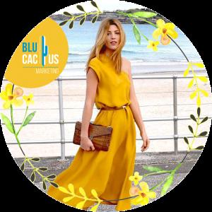 BluCactus - Tendencias de Moda para el 2020 - vestido color amarillo con un paisaje atras