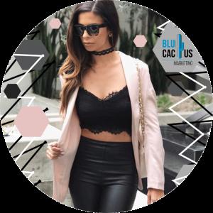 BluCactus -bralette color negro con leggins de cuero