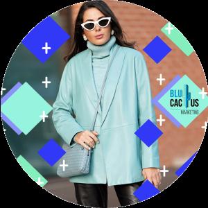 BluCactus - traje color aqua con gafas de sol blancas