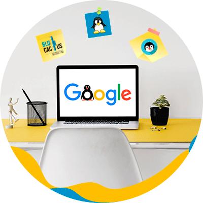 BluCactus - La Historia del SEO - computadora con logos de google