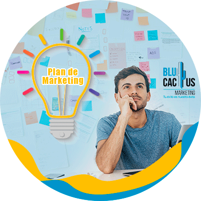 BluCactus - Plan de Marketing - persona pensando con una bombilla en su cabeza
