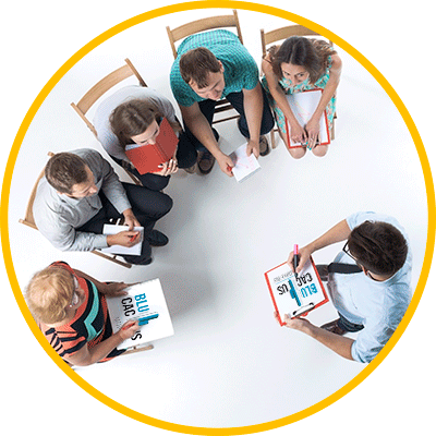 BluCactus - ¿Qué es el Storytelling y por qué debes usarlo en Marketing? - personas profesionales juntas