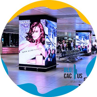 BluCactus - ¿Qué es OOH y cuántos Tipos hay? - imagen de publicidad interior