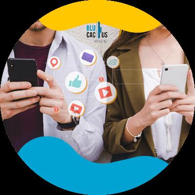 BluCactus -¿En qué consiste el Fast Content? - personas profesionales trabajando juntos