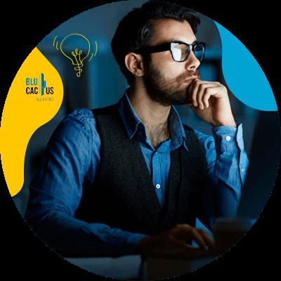 BluCactus - persona pensando para trabajar