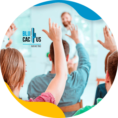 BluCactus - personas profesioales trabajando