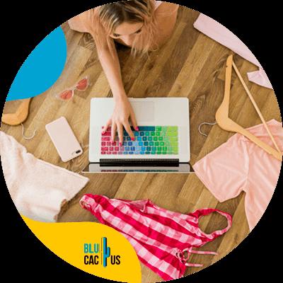 BluCactus - ¿Cómo atraer clientes a tu Tienda de Ropa? - persona profsional trabajando