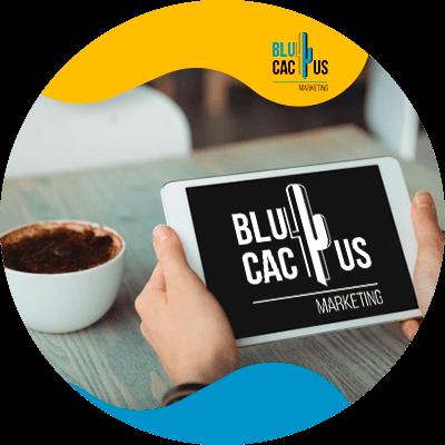 BluCactus - ¿Cuánto cuesta un Menú Digital para Restaurantes? - un ipad con un menu digital