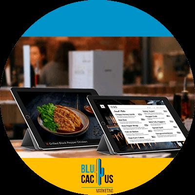 BluCactus - un ipad con un ejemplo de comida para restaurantes
