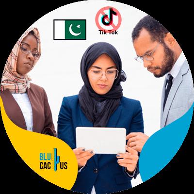 BluCactus - Pakistán prohíbe el uso de TikTok - personas de pakistan