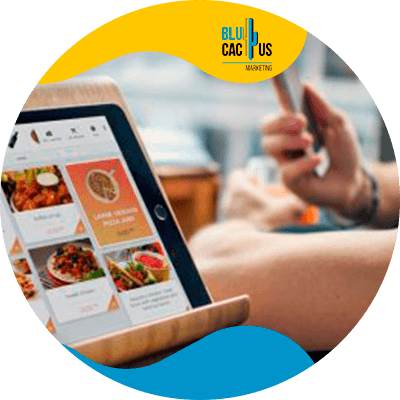 BluCactus - laptop con informacion importante de comida