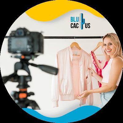 BluCactus - 15 ideas de contenido para Marcas de Moda - persona trabajando profesionalmete