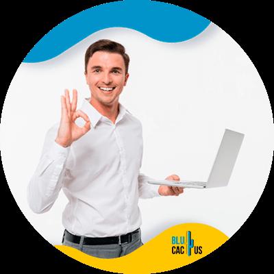 BluCactus - persona trabajando profesionalemente
