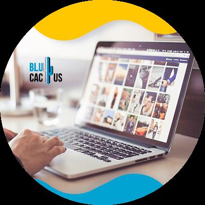 BluCactus - Estrategias SEO para sitios web dedicados a la moda - computadora con información importante