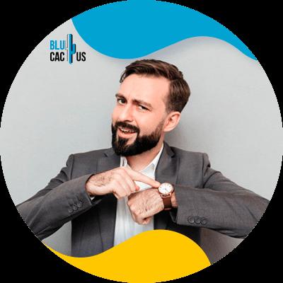 BluCactus - Marketing de afiliación - persona trabajando profesionalemente