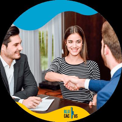 BluCactus - Estrategias de marketing para la industria financiera - personas trabajando