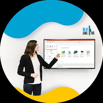 BluCactus - ¿Cuánto cuesta una presentación de PowerPoint? - computadora con ejemplos de presentacion