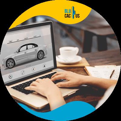 BluCactus - Marketing para el sector automotriz - computadora con informacion importante