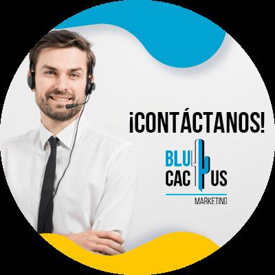 BluCactus - Checklist de auditoría SEO 2021 - persona profesional trabajando