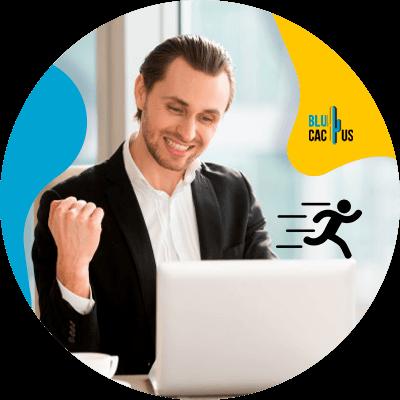 BluCactus -Tendencias de marketing para Bufetes de abogados - persona profesional trabajando