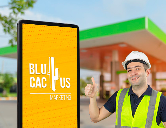 Blucactus - Diseño de tótem publicitario