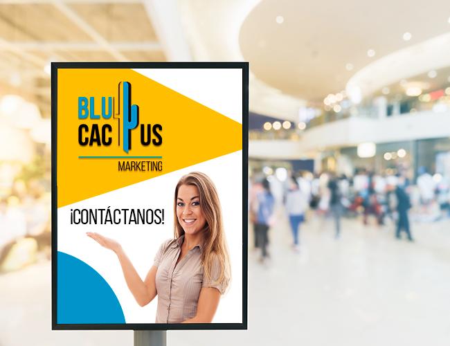 BluCactus - Totem Publicitario en un centro comercial
