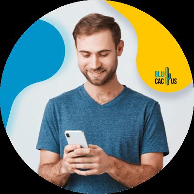 BluCactus - funciones de Google My Business - persona trabajando profesionalmente