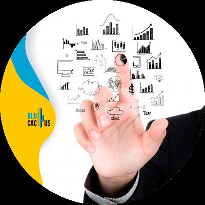 habilitación de ventas - persona revisando estadísticas
