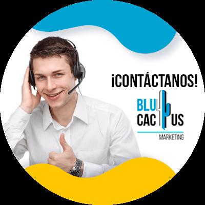 BluCactus - estrategia de marketing - persona trabajando