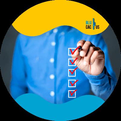Blucactus - 8. Menciona potenciales clientes en tu contenido - Cómo empezar un negocio freelance en el 2021